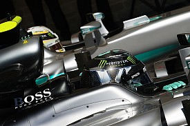 Who is under pressure in F1 title fight?
